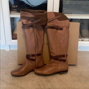 NIB Eric Michael Knee High Sz7 Leather Taupe Boots